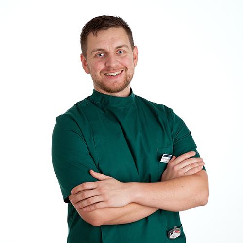 Dr. Adam Kluczny PgCSAS, M.R.C.V.S